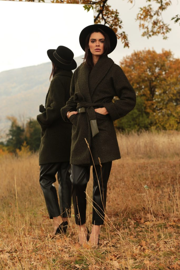 Дамско палто с колан за завързване