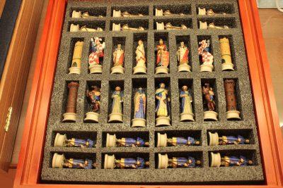 Луксозен шах с фигури на кръстоносци от Denix