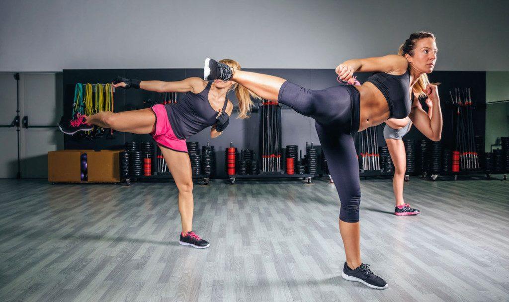 Комбат тренировка във фитнес Атлетик