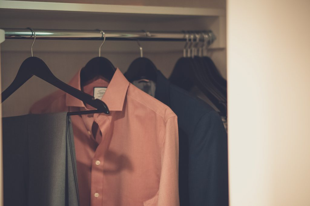 Как да подредиш гардероба си ефективно 3