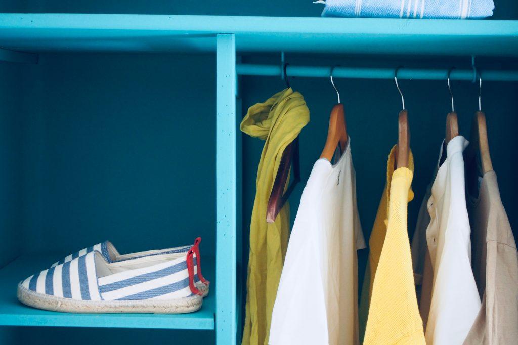 Как да подредиш гардероба си ефективно 4