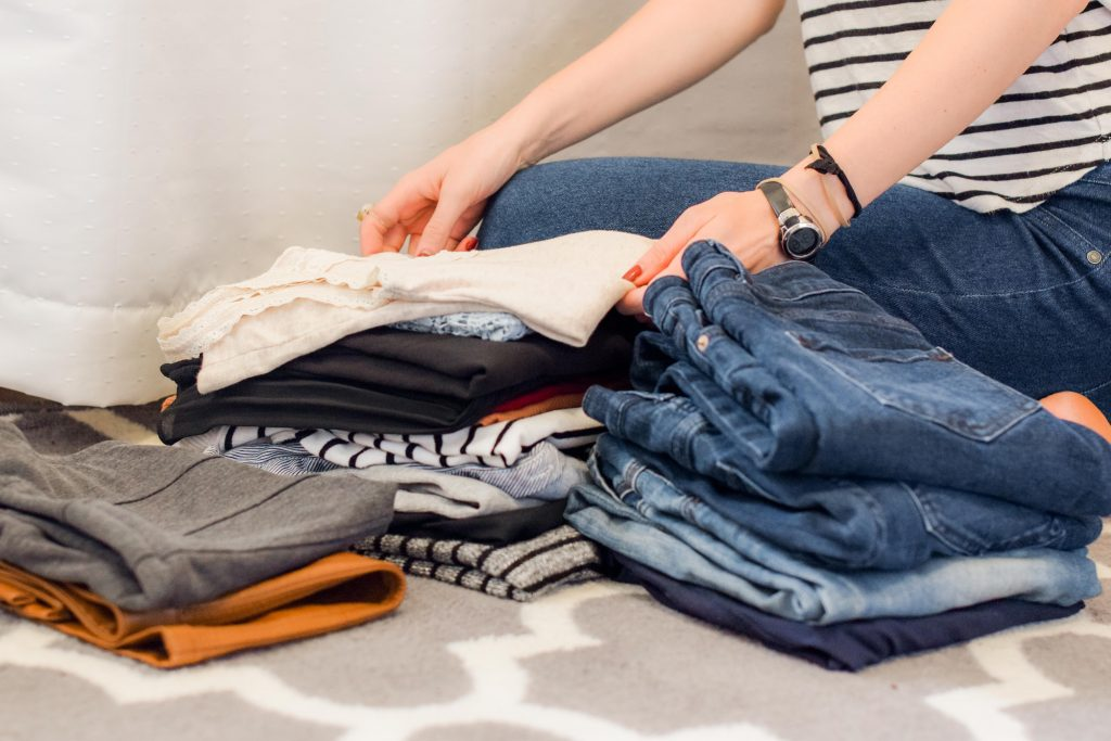Как да подредиш гардероба си ефективно