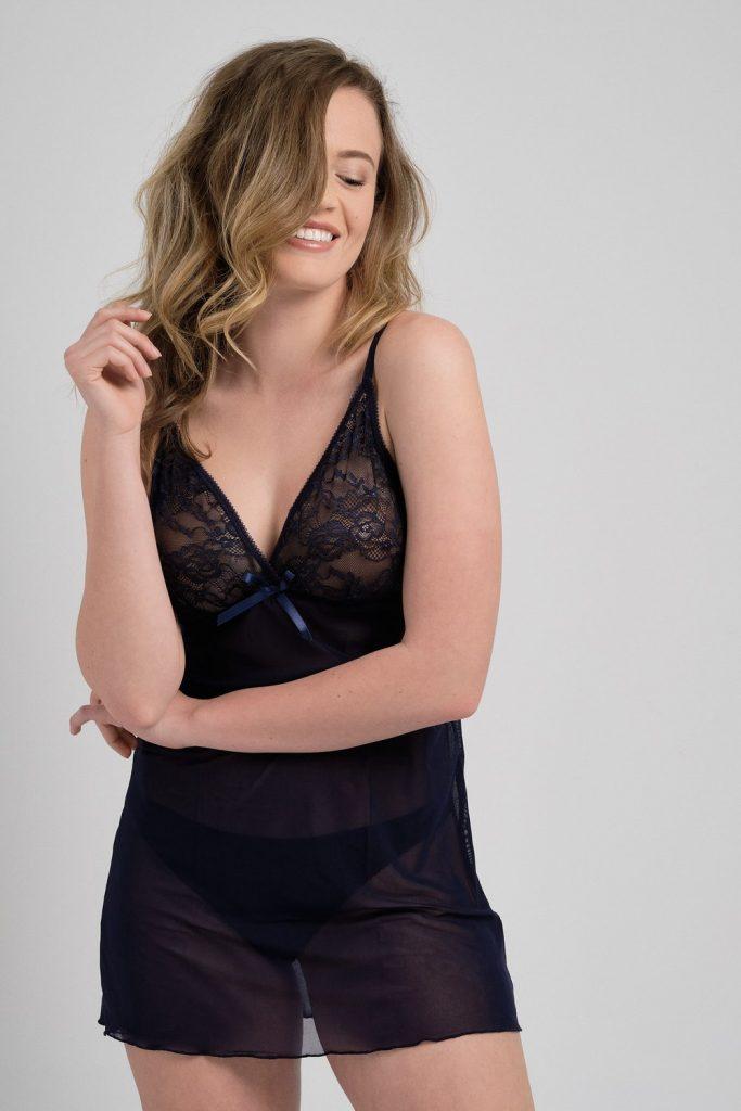 Дантелено-шифонова нощница Stezi от магазин Za-Za Underwear