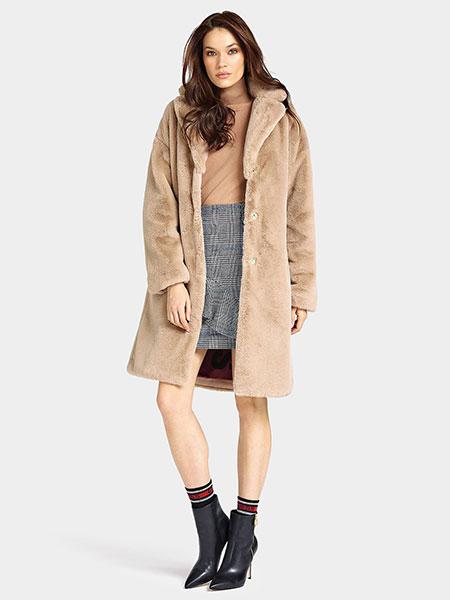 Палто с косъм SHELLY в бежов цвят от Guess